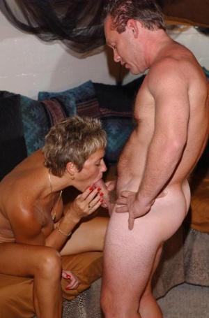 Free Mature Swinger Sex Pics