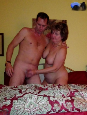 Free Mature Handjob Sex Pics