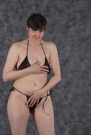 Free Mature Bikini Sex Pics