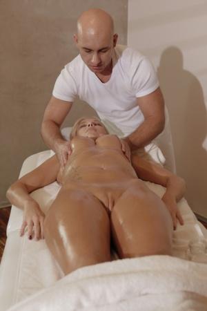 Free Mature Massage Sex Pics