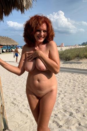 Free Mature Beach Sex Pics