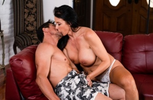 Free Mature Kiss Sex Pics