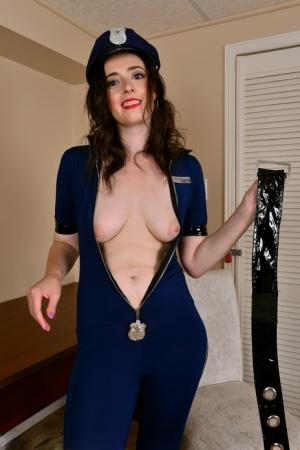 Free Mature Police Sex Pics