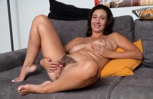 Free Mature Brunette Sex Pics