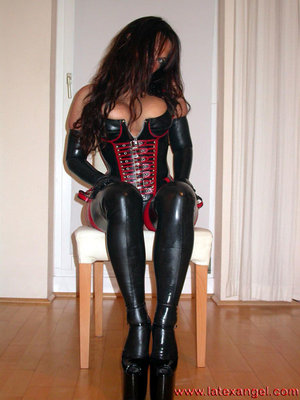 Free Mature Latex Sex Pics
