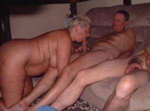 Free Mature Blowbang Sex Pics