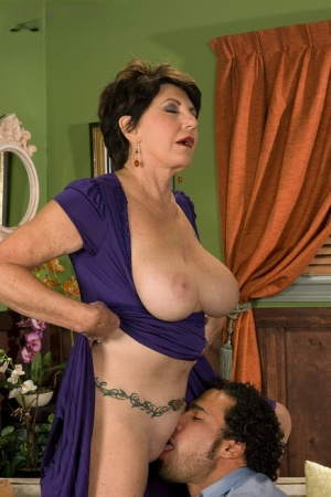 Free Mature Pussy Lick Sex Pics