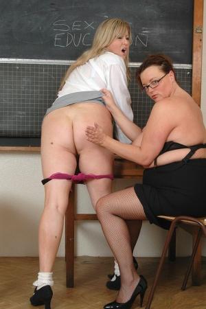 Free Mature Spanking Sex Pics