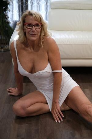 Free Mature Glasses Sex Pics