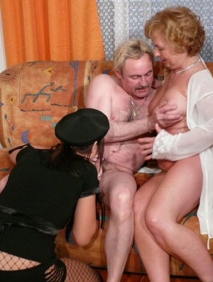 Free Mature Threesome Sex Pics