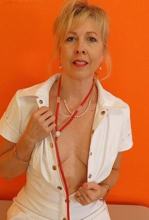 Free Mature Nurse Sex Pics