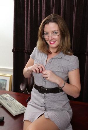 Free Mature Office Sex Pics