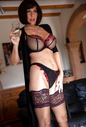 Free Mature Lingerie Sex Pics
