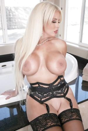 Free Mature Pornstar Sex Pics