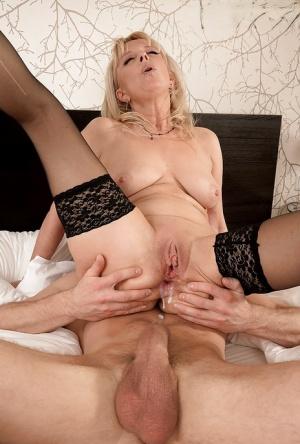 Free Mature Cumshot Sex Pics