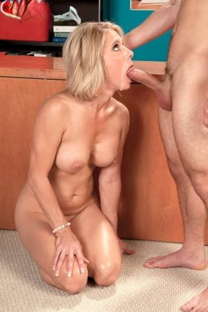 Free Mature Cougar Sex Pics