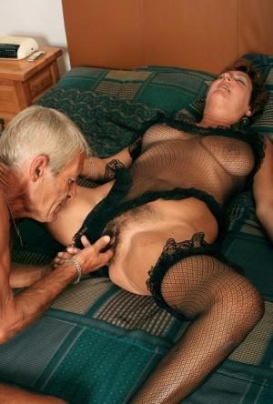 Free Mature Fingering Sex Pics