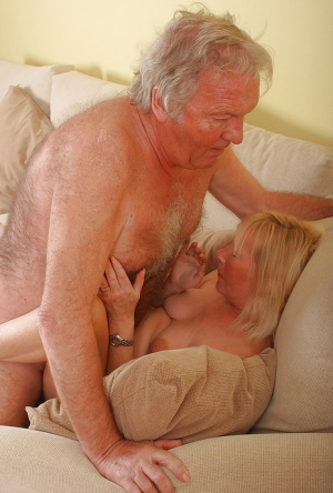 Free Mature Couple Sex Pics