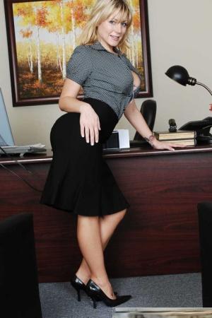 Free Mature Secretary Sex Pics