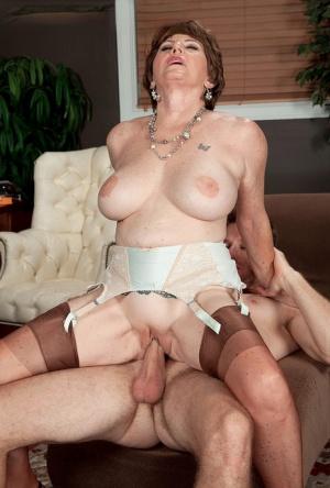 Free Mature Cowgirl Sex Pics