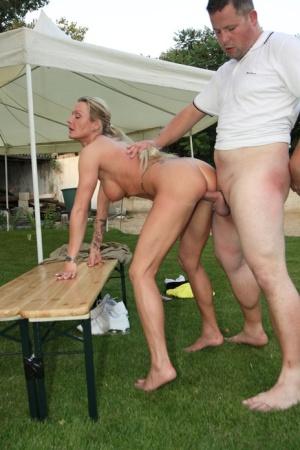 Free Mature Outdoor Sex Pics
