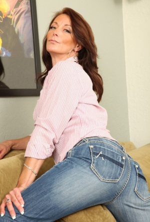 Free Mature Jeans Sex Pics