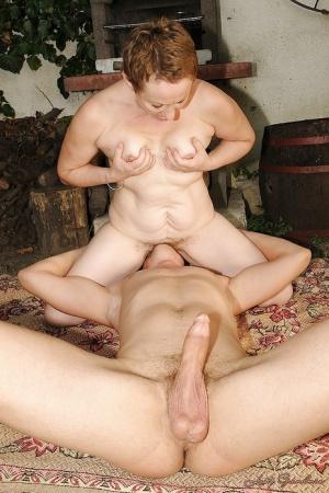 Free Mature Face Sitting Sex Pics