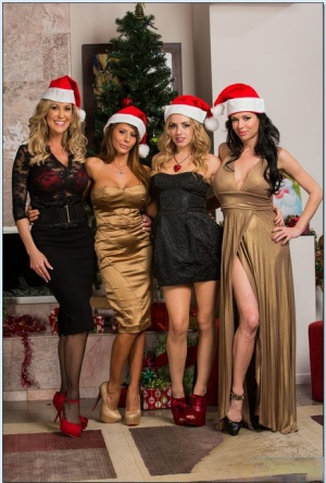 Free Mature Christmas Sex Pics